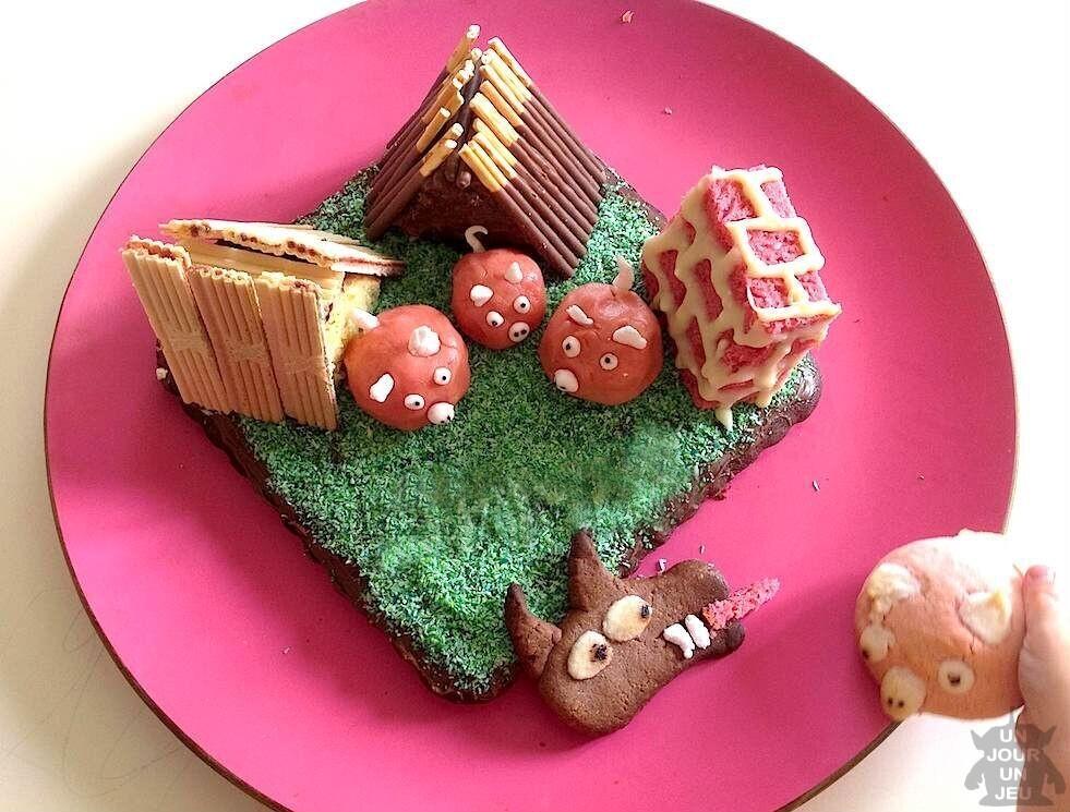 gâteau d'anniversaire : les 3 petits cochons et le grand méchant loup