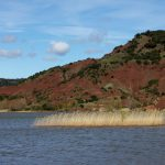 ValleeSalagou-lac-terre-rouge