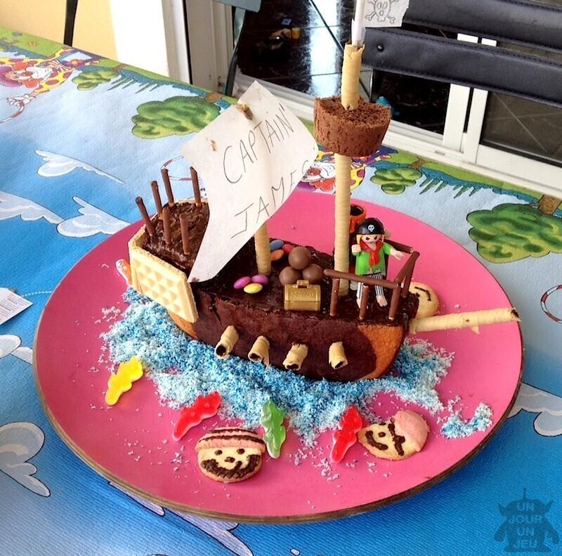 G teau d 39 anniversaire bateau de pirates r aliser un - Set de table rigolo ...