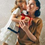 Les plus beaux cadeaux à offrir à une maman