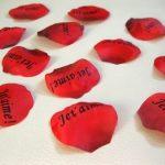 100-ptales-de-roses-Je-taime-Saint-Valentin-Dco-2-3-jours-expdition-0