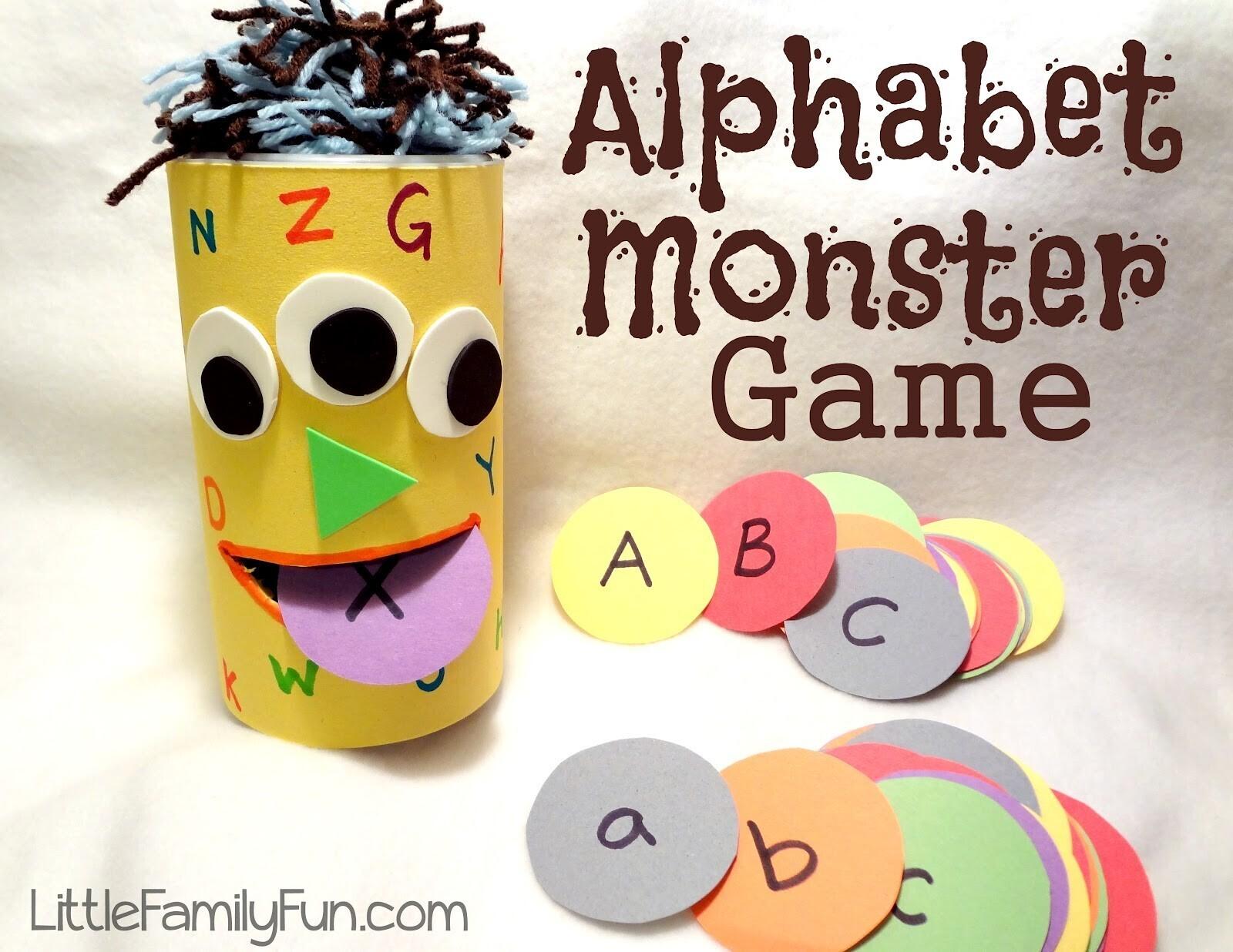 s 39 amuser avec l 39 alphabet des jeux pour les tout petits un jour un jeu. Black Bedroom Furniture Sets. Home Design Ideas