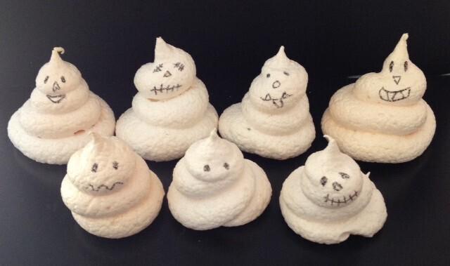 Fantomes en meringue dHalloween
