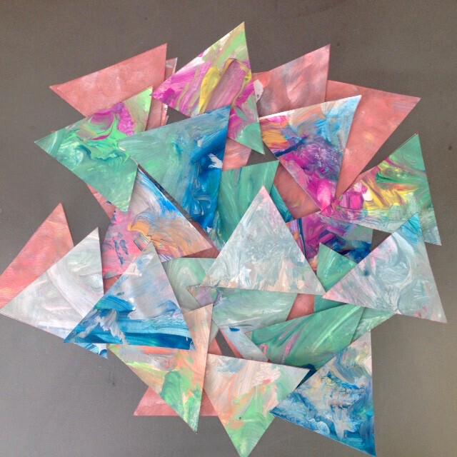 triangles peinture enfant