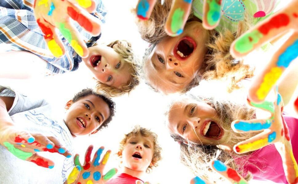 Id es cadeaux pour enfants cr atifs un jour un jeu - Loisirs creatifs pour enfants ...