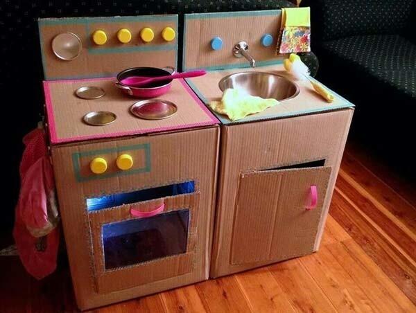 Cuisinière en carton et évier
