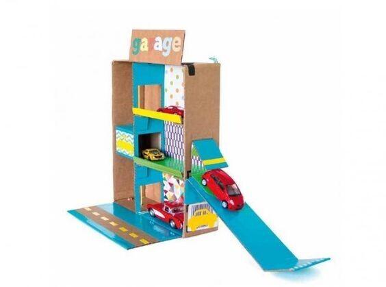 15 id es de jeux r aliser pour vos enfants avec du carton. Black Bedroom Furniture Sets. Home Design Ideas