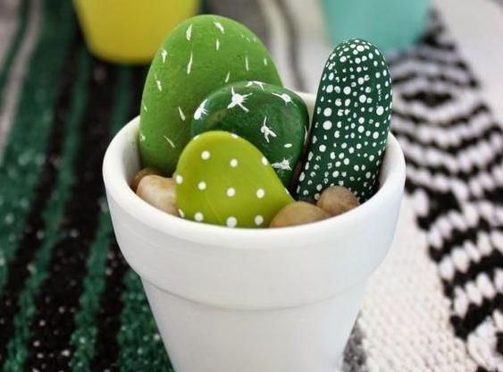DIY fête des mères : cactus peints
