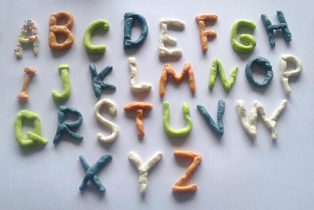 alphabet pate a sel coloré