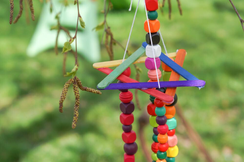diy un carillon coloré, activité manuelle