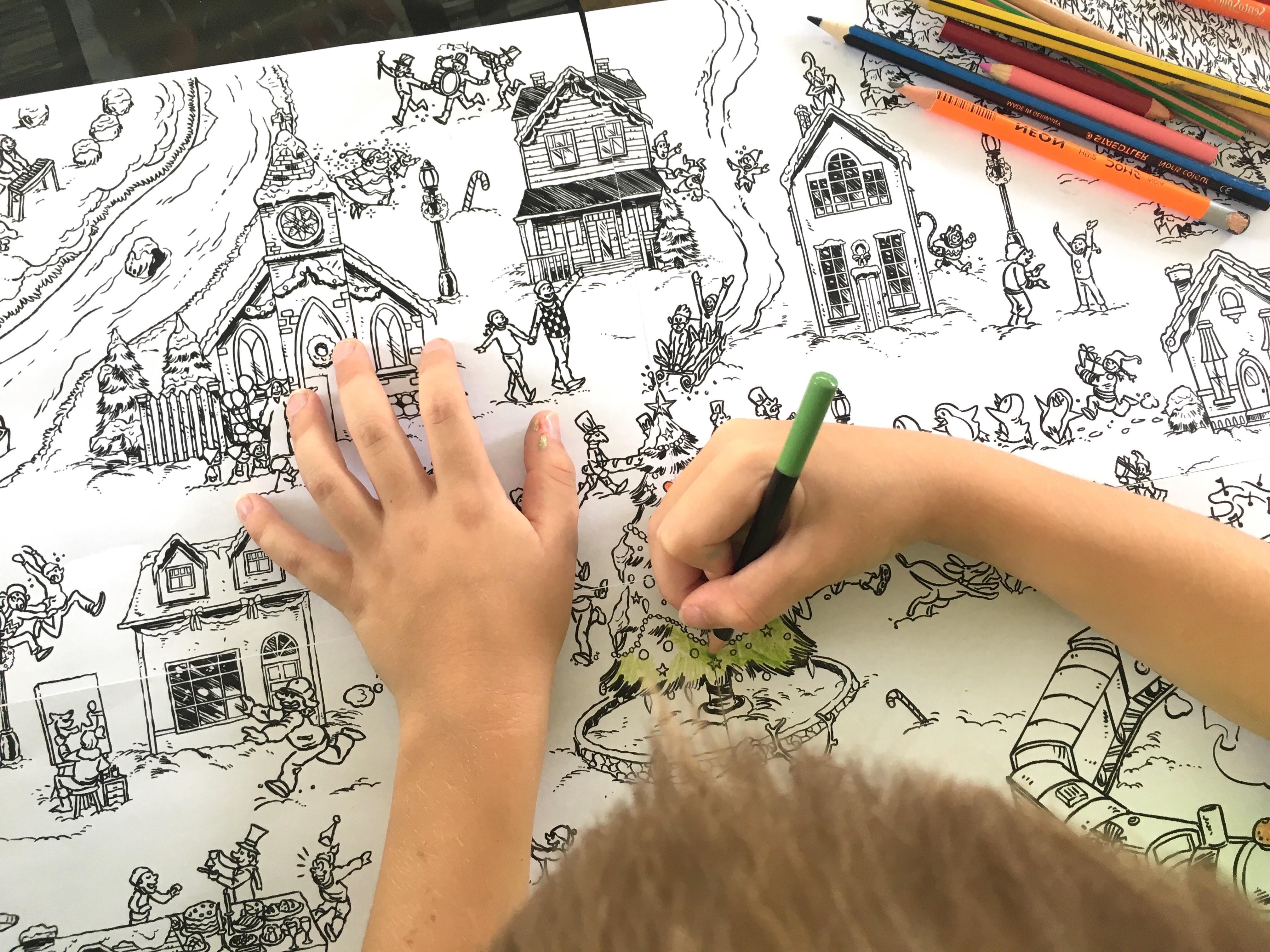 Coloriage Dinosaure Noel.Coloriage Geant De Noel Le Village En Hiver Un Jour Un Jeu