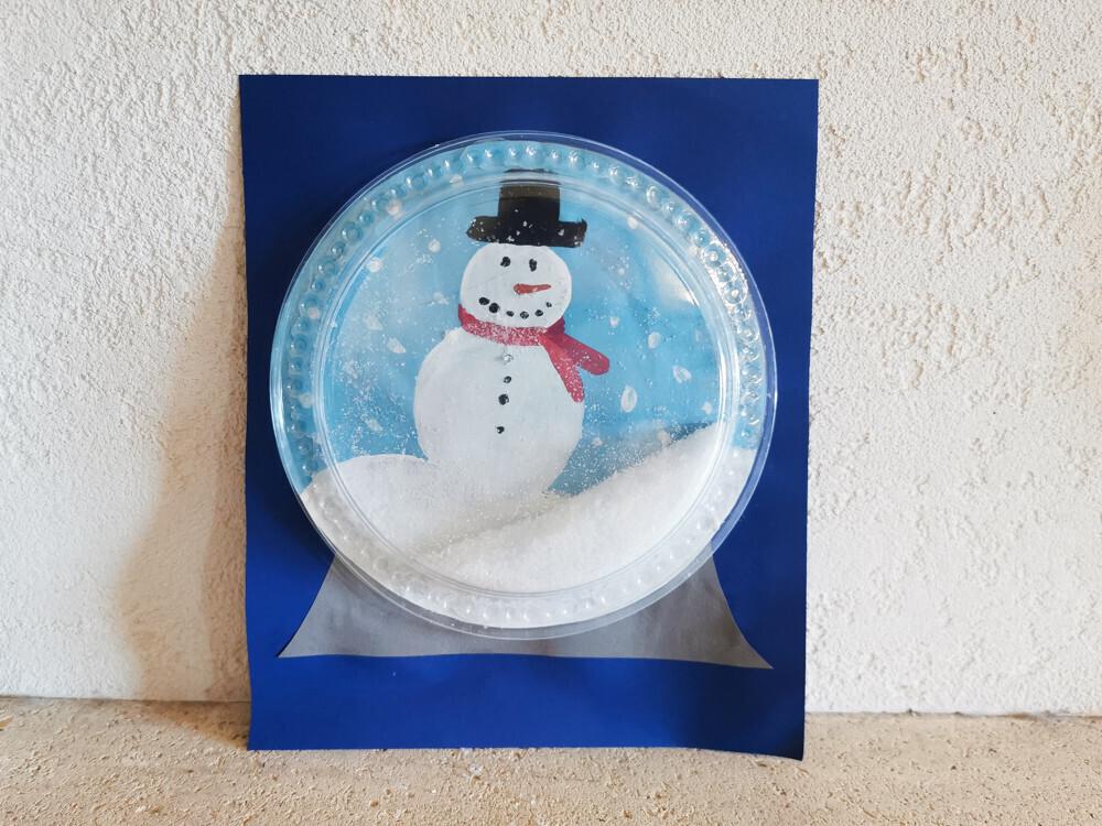 Activité créative : une boule à neige de Noël