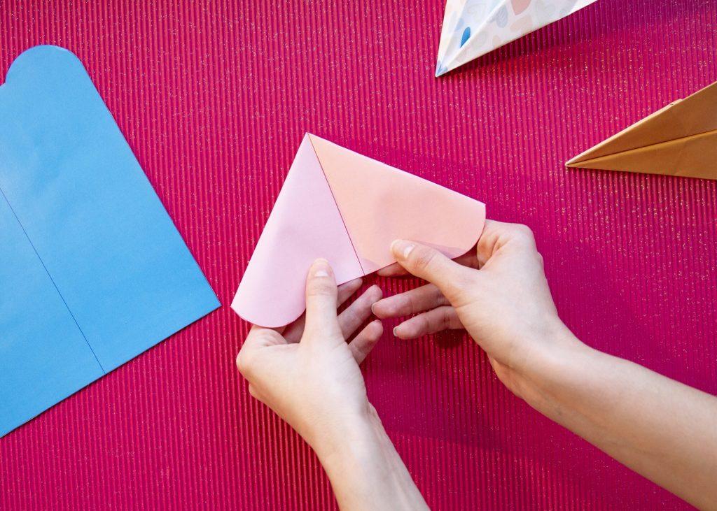 Avions en papier Saint Valentin - étape 6