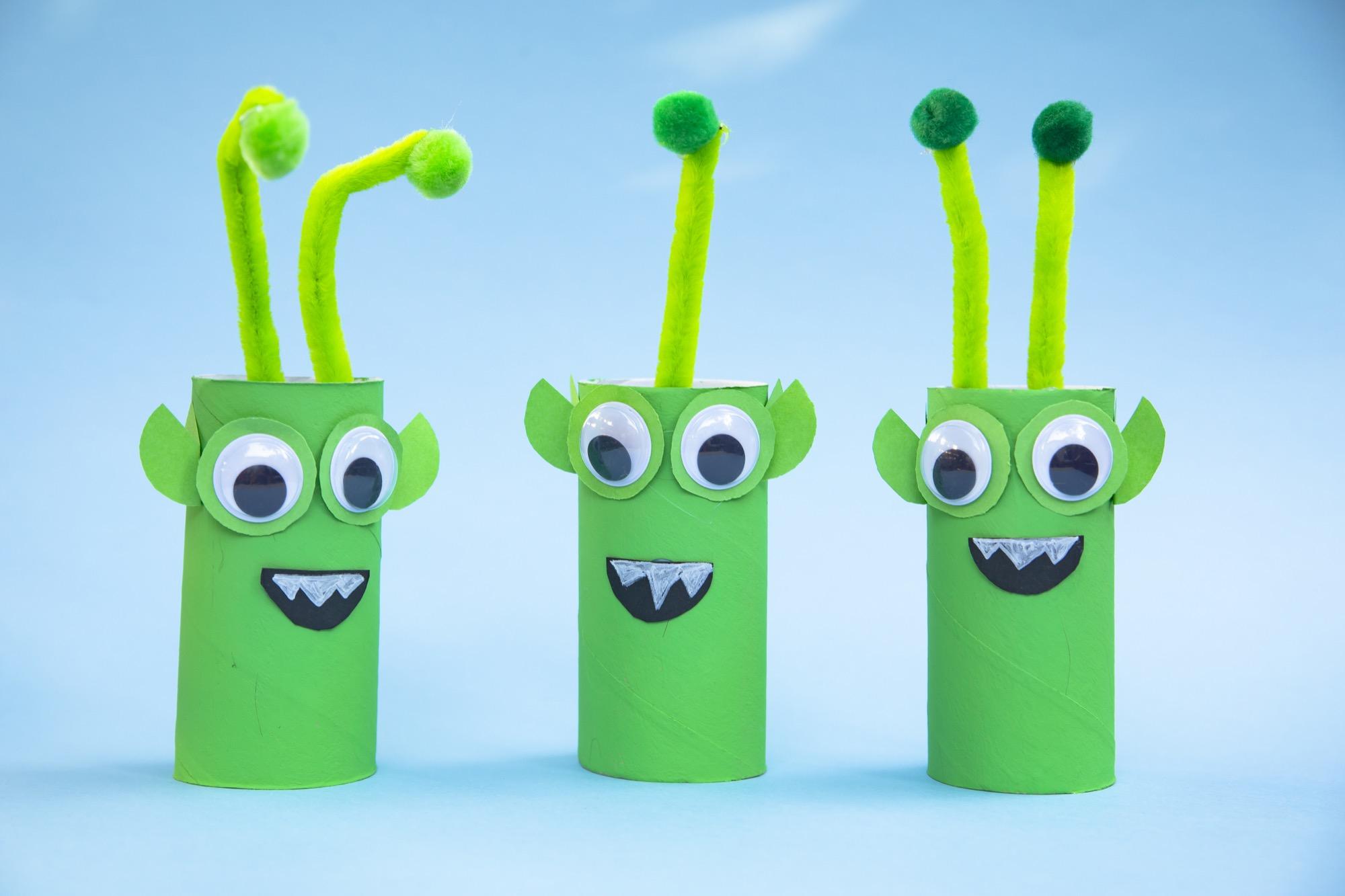 Bricolage de l'espace : mes petits aliens verts
